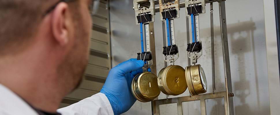 Test de prise à chaud des câbles électriques pour les matériaux réticulés