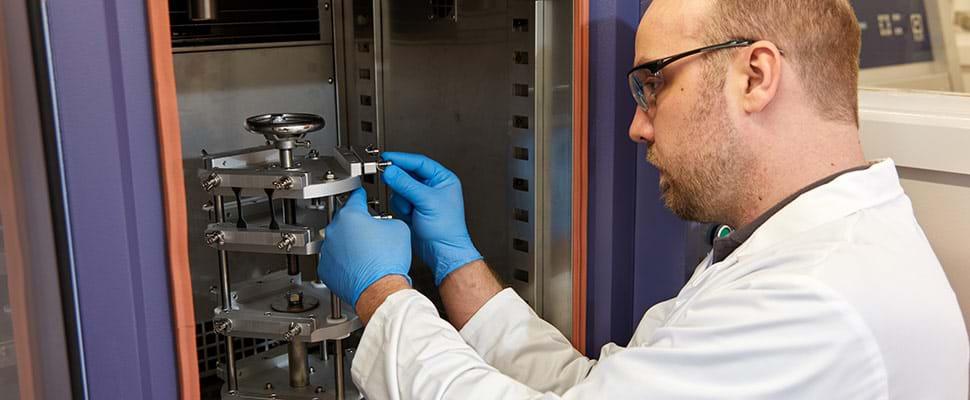 Tester la résistance des câbles électriques à l'ozone
